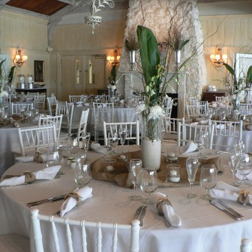 Brides N Blooms Designs natural look for your next event