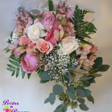 Garden Style Bouquet with Roses & Alstromeria