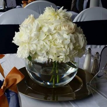 Bubble Bowl With Hydrangea & Peony on Charger