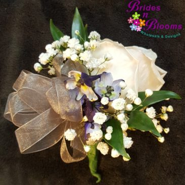 Baby's Breath & Rose Pin Corsage