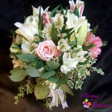Alstromeria, Lilies & Spray Roses